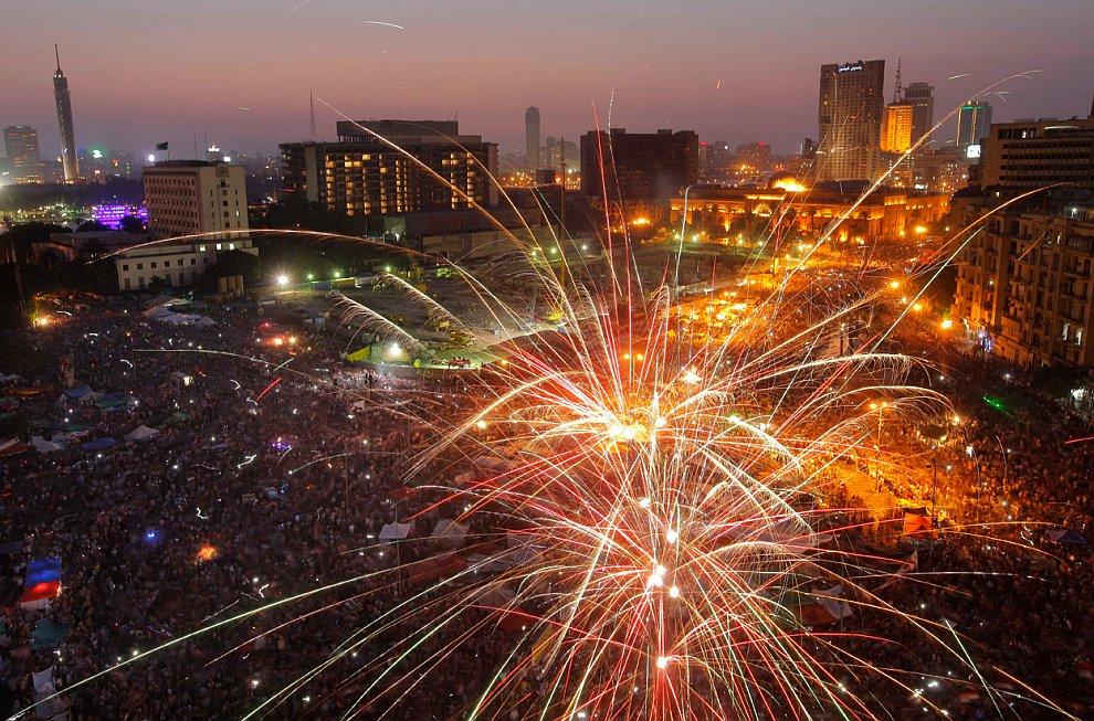 Фейерверки на площади Тахрир в Каире, Египет