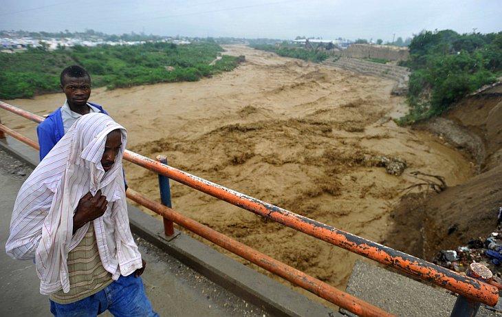 3 дня с момента образования атлантического урагана Сэнди, Порт-о-Пренс, Гаити