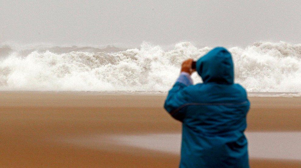 Атлантический ураган Сэнди обрушился на Восточное побережье США