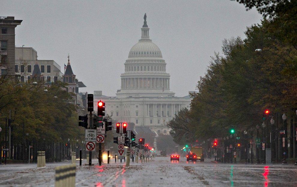 По данным метеорологов, ураган Сэнди не обойдет стороной и столицу США, Вашингтон