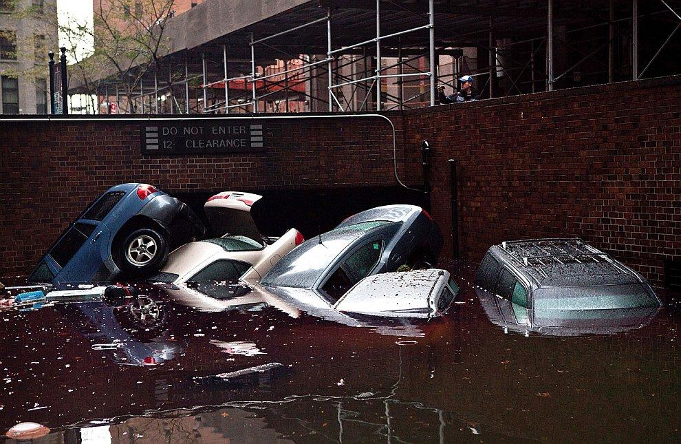 Подземные паркинги были полностью затоплены