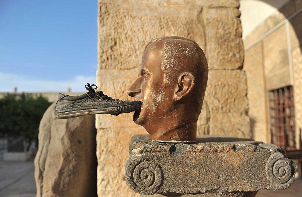Бюст сирийского президента Асада
