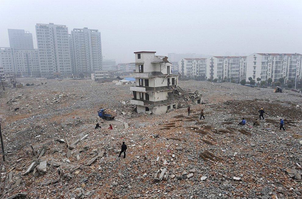 Снос старых зданий для новых застроек в Китае идет полным ходом