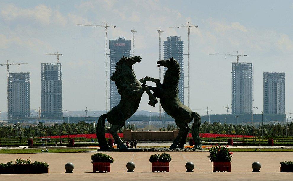 Город Ордос в Китае (Внутренняя Монголия) был основан 26 февраля 2001 года
