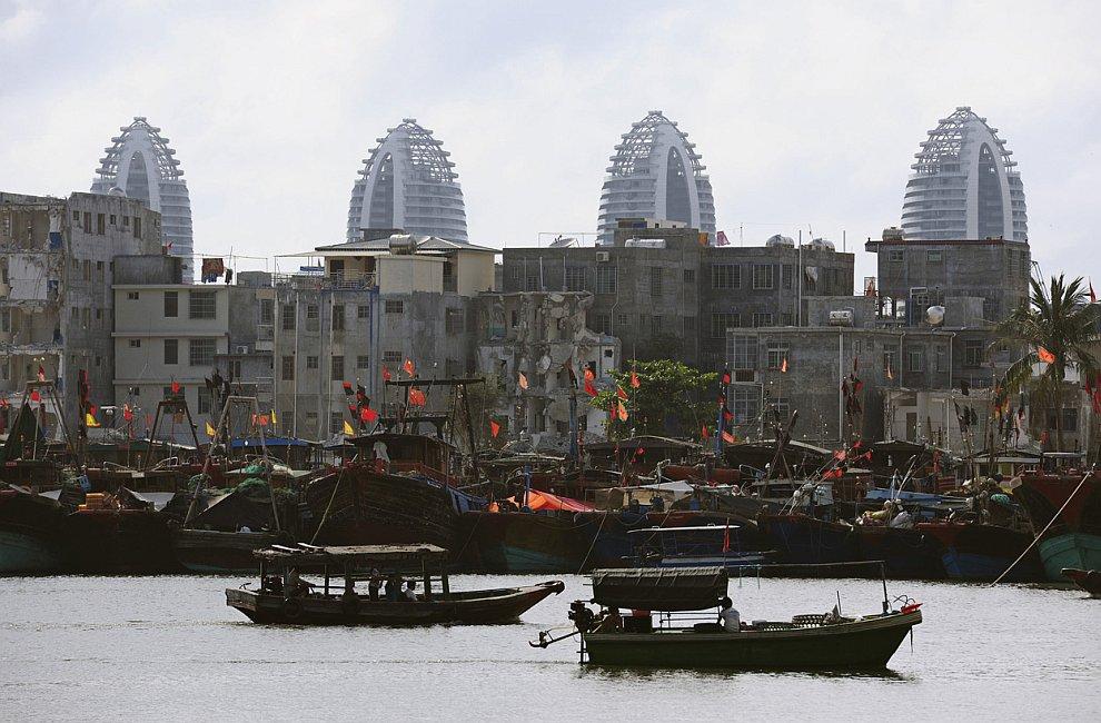 Рыбацкие лодки в порту