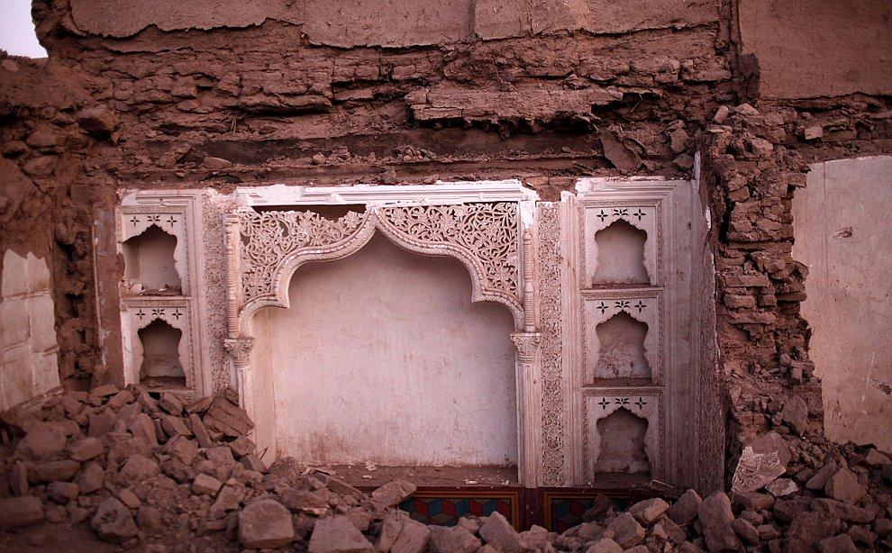 На местах сносов старых зданий иногда обнаруживаются интересные остатки интерьеров