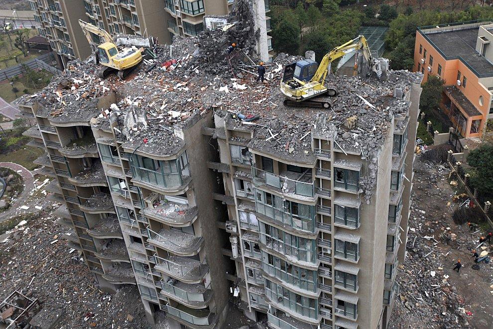 Снос здания в городе Тайчжоу, провинция Чжэцзян