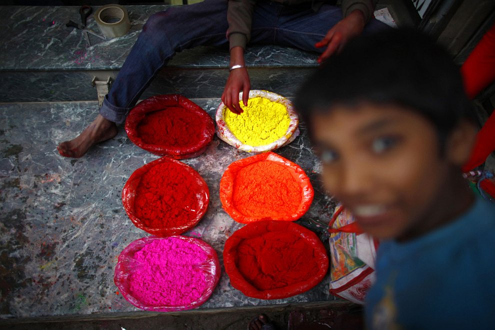 Торговец разноцветными порошками, Катманду