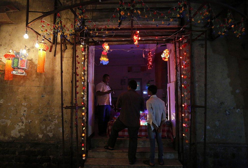 Магазин по продаже светильников к фестивалю огней Дивали