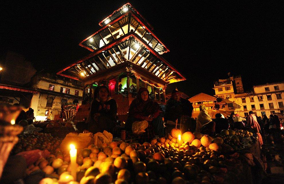 Продавцы фруктов в Катманду