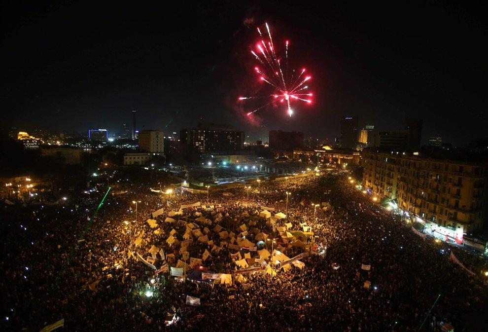 Протестующие и палаточный городок на центральной площади Каира — Тахрир