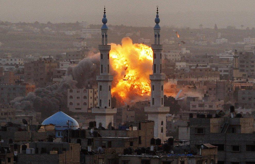 Удар по городу Газа со стороны Израиля
