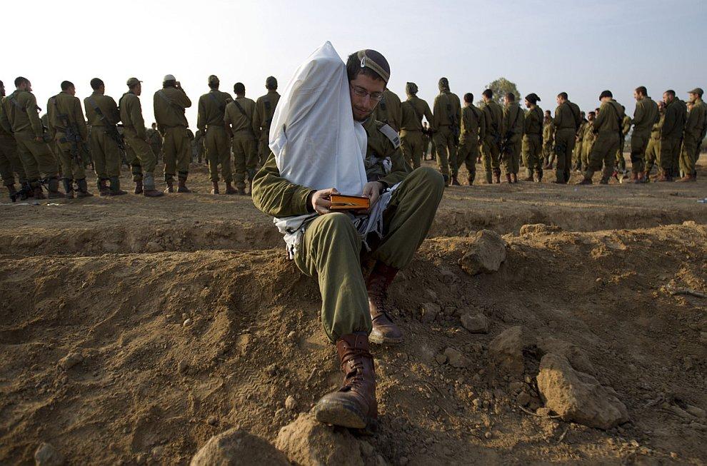 Израильские солдаты на границе с сектором Газа