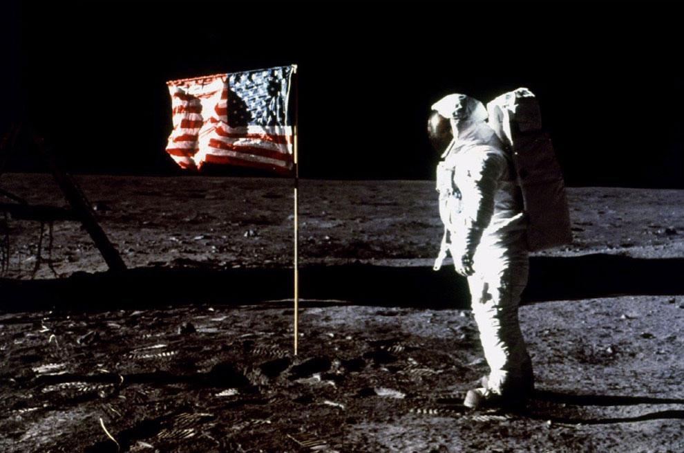 Эдвин Базз Олдрин на Луне, 20 июля 1969 года