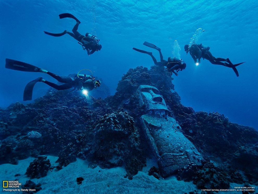 Остров Пасхи известен своими гигантскими каменными статуями, которые местные жители называют моаи
