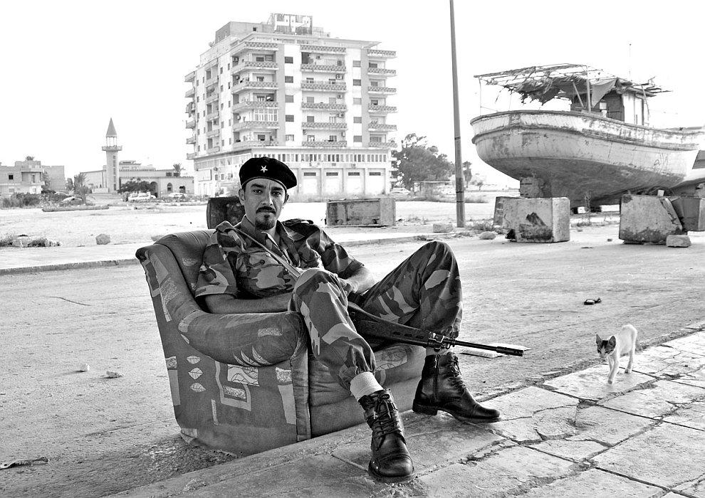 Ливийский мятежник в городе Бенгази