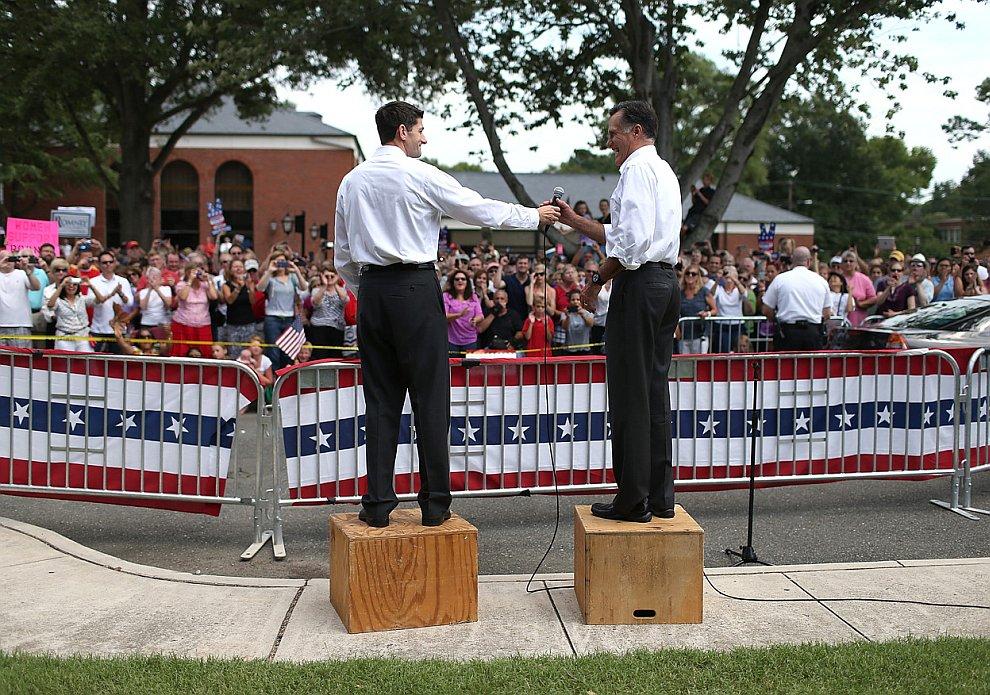 Митт Ромни во время митинга в штате Вирджиния