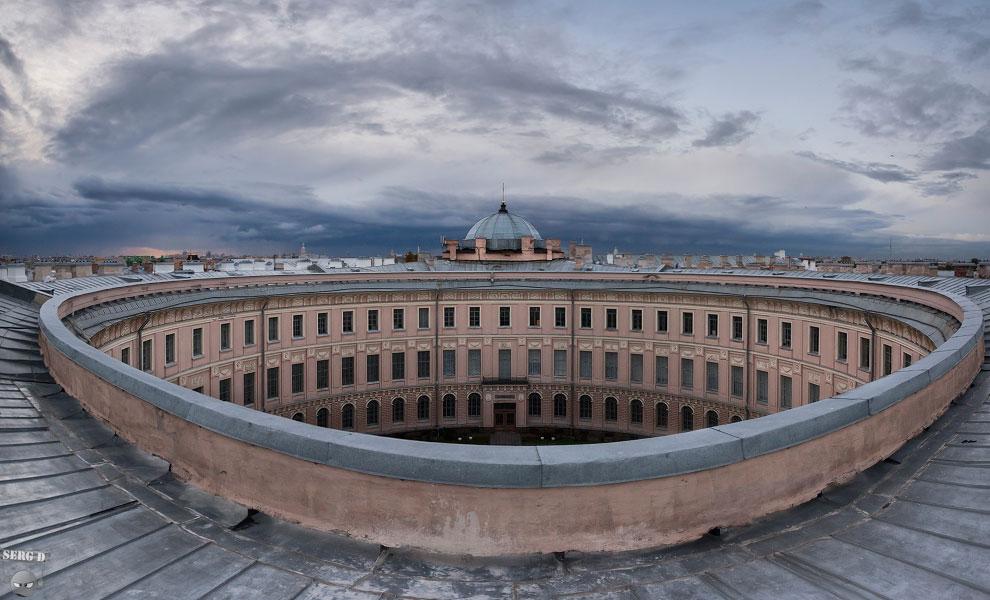 Двор Академии Художеств