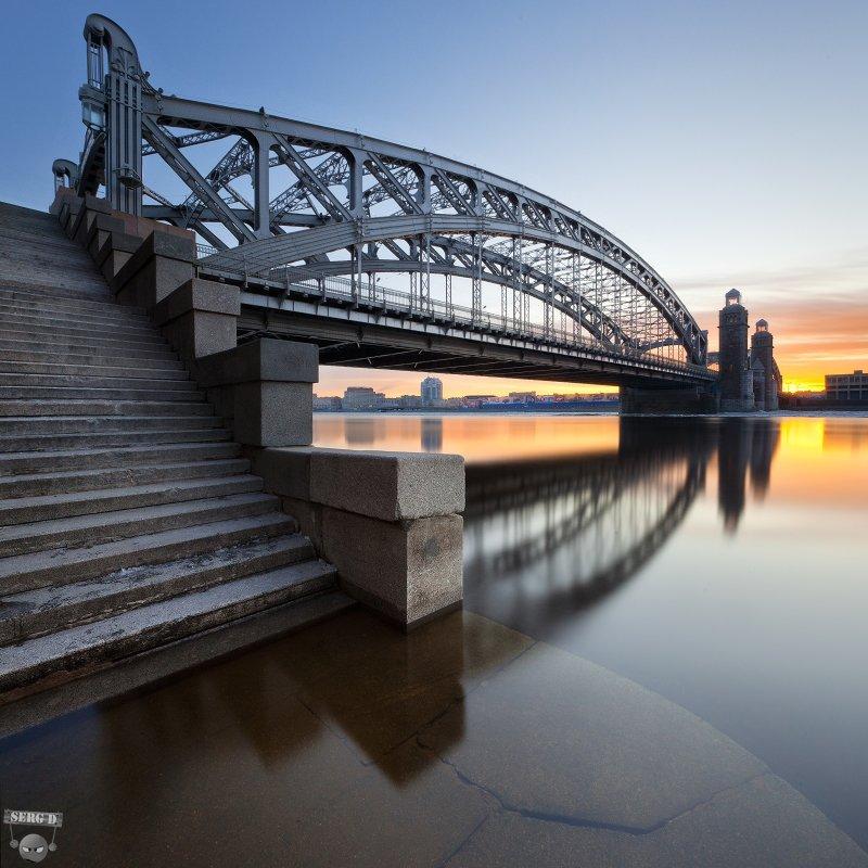 Большеохтинский мост, Нева