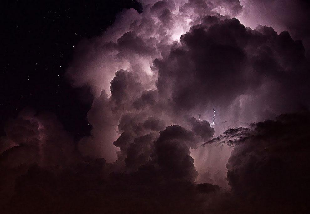 Фиолетовый шторм