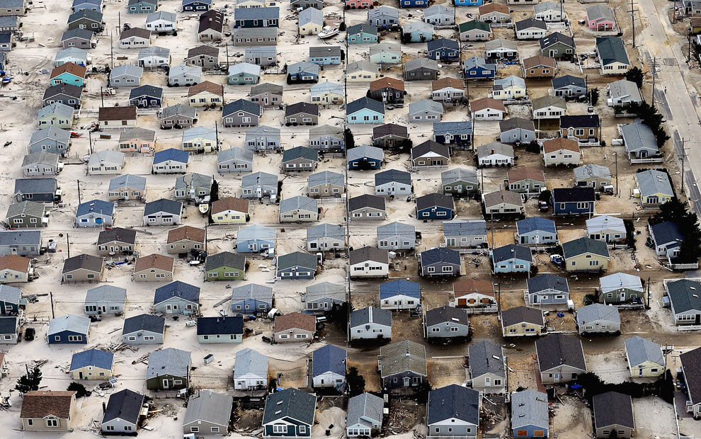 Целые кварталы Нью-Джерси засыпаны песком