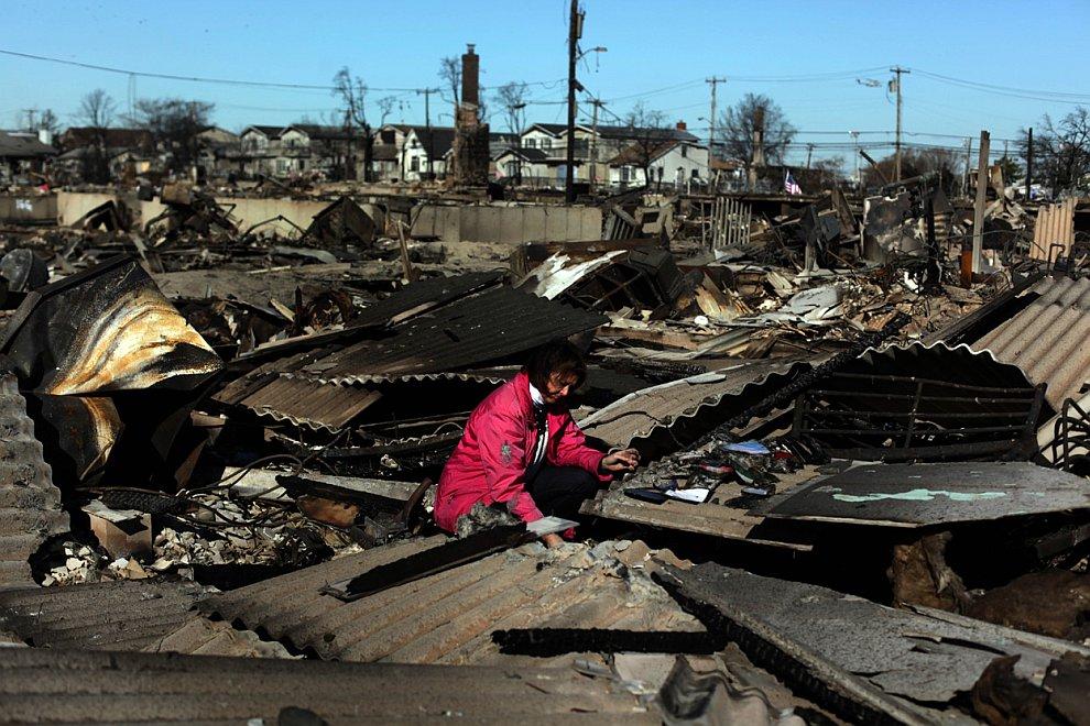 В Квинсе из-за коротких замыканий сгорели многие десятки домов