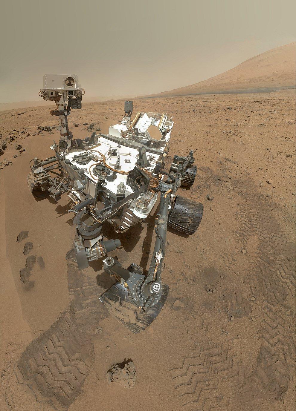 Автопортрет марсохода Curiosity на поверхности Марса