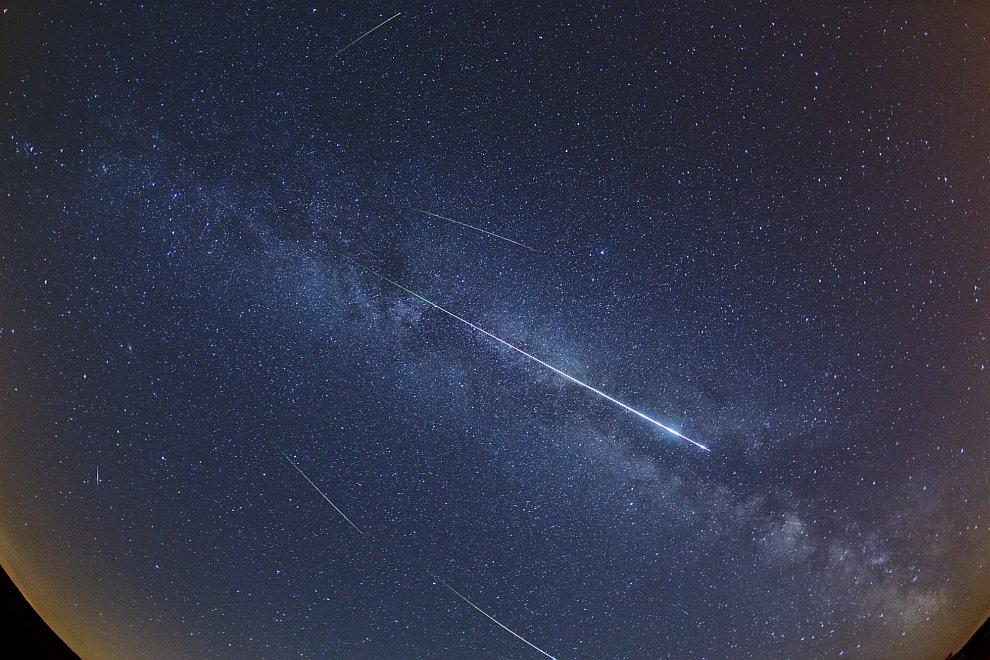 Метеорный поток Персеиды и наш Млечный Путь