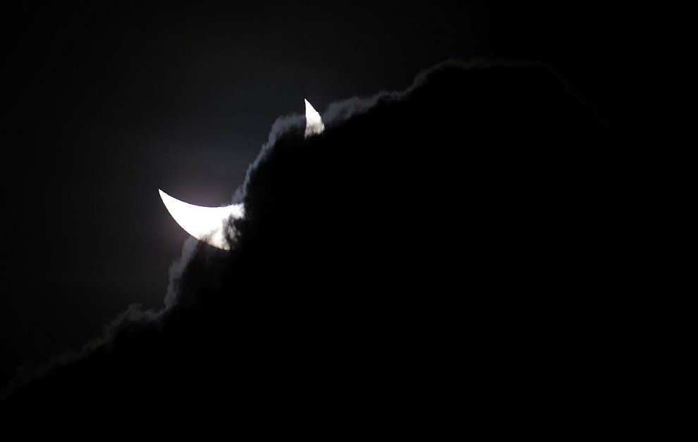 14 ноября 2012 в Австралии произошло первое за десятилетие солнечное затмение