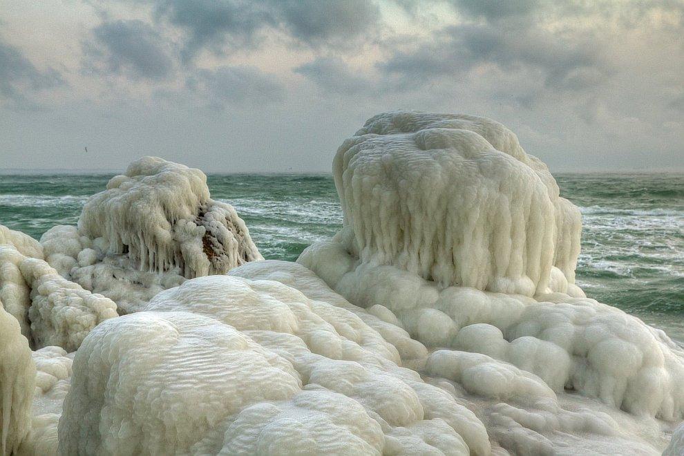 В Одессе замерзло Черное море