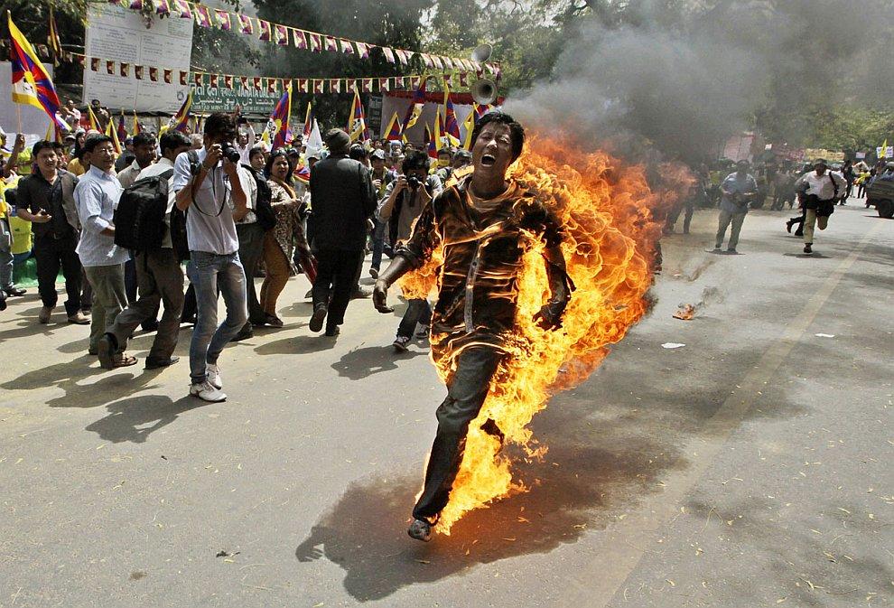 В Индии тибетцы протестовали против приезда председателя КНР Ху Цзиньтао