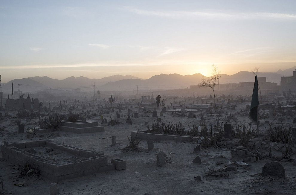 Кладбище на закате в Кабуле