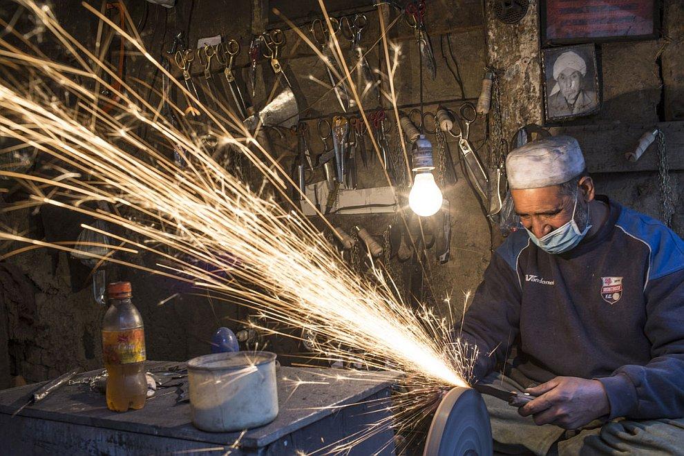 Мастерская по производству ножей на Старом городе в Кабуле
