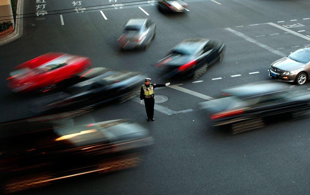 В 2010 году Китай сообщил о 3 900 000 ДТП, в которых погибло 65 225 человек и еще 254 075 было ранено
