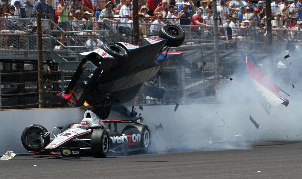 На гоночных трассах нередко случаются серьезные аварии