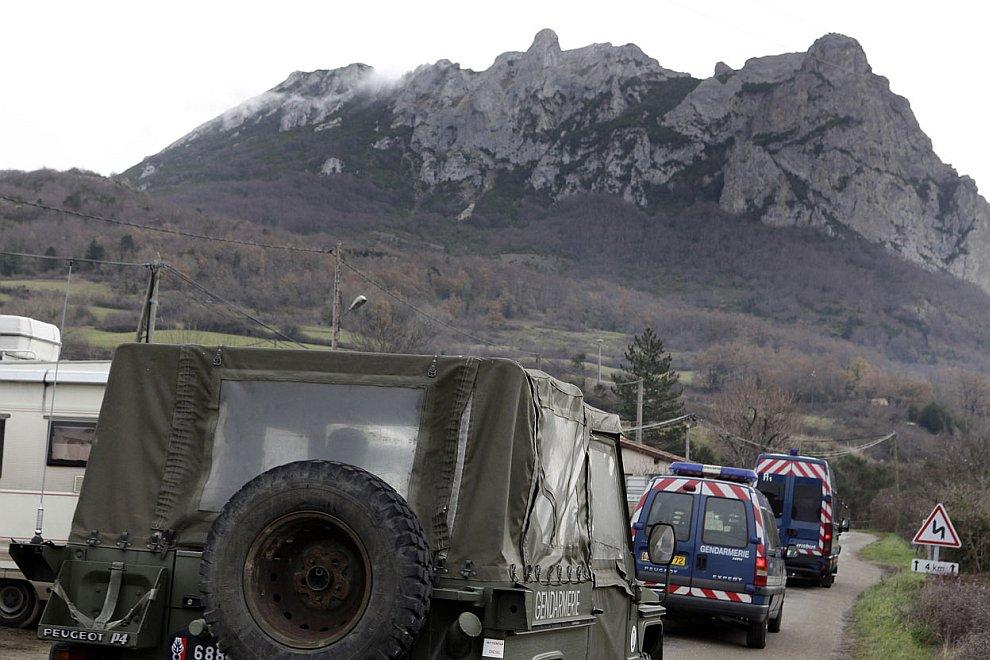 Чем ближе конец Света, тем больше людей стекались на гору Бюгараш во Франции
