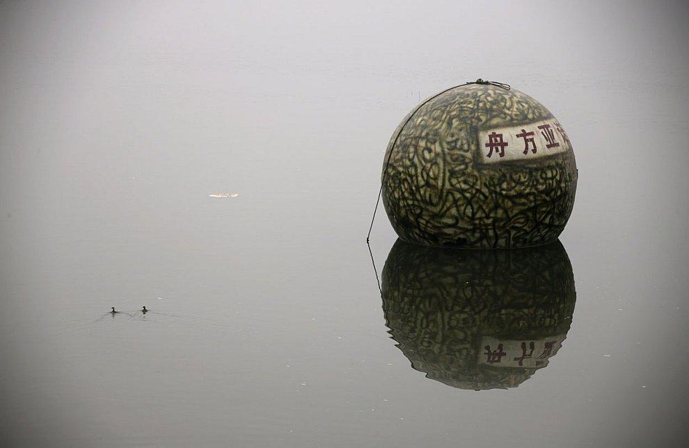 На случай цунами и наводнений изобретатель из Китая Лю Циюань спроектировал построил свою версию Ноева ковчега