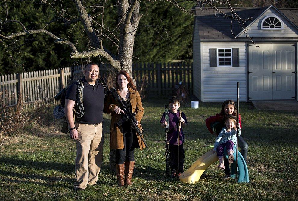Вооружались целыми семьями на случай Апокалипсиса и следующих за ним массовых беспорядков