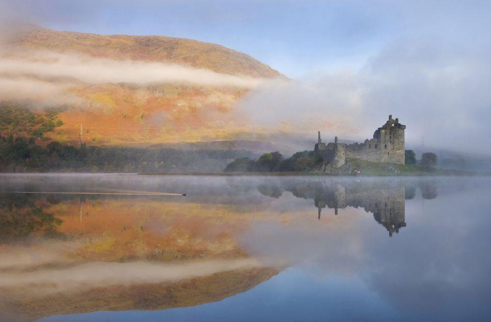 Туманное утро над замком Килхурн (Kilchurn Castle)