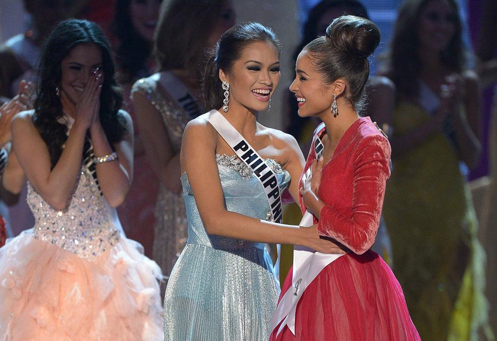 1 вице-мисс Янин Тугонон (Филиппины) и Мисс Вселенная 2012 Лейла Лопес (США)