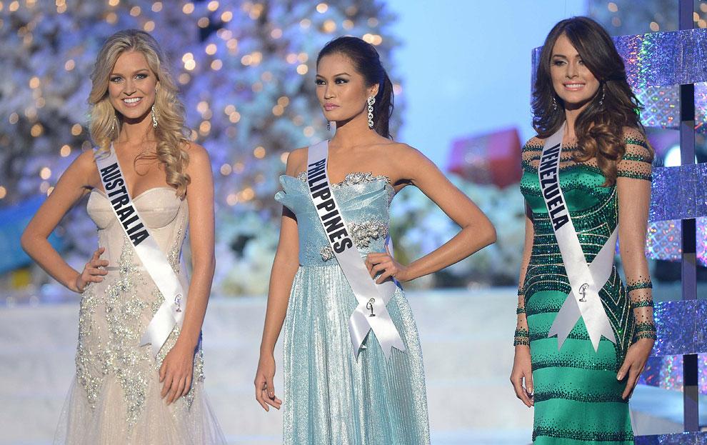 3 вице-мисс Рене Айрис (Австралия), 1 вице-мисс Янин Тугонон (Филиппины), 2 вице-мисс Ирэн София Эссер Куинтеро (Венесуэла)