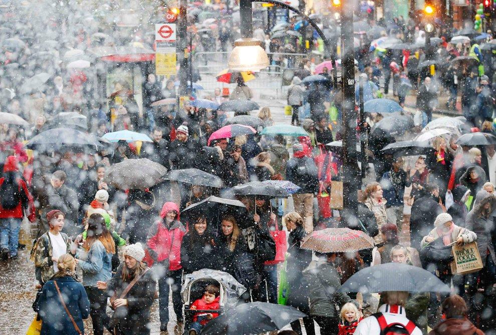 Рождественские распродажи идут полным ходом во всей центральной части Лондона