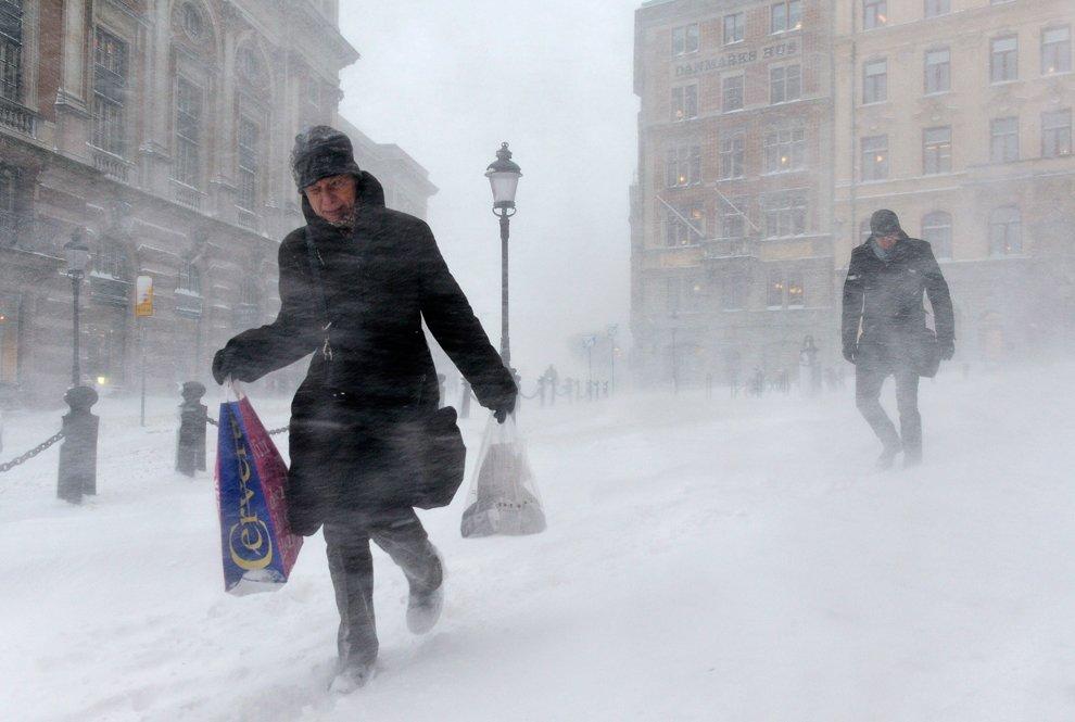 Борьба с ветром и метелью в Стокгольме, Швеция