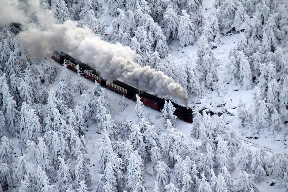 Сказочные зимние пейзажи в горных районах Германии