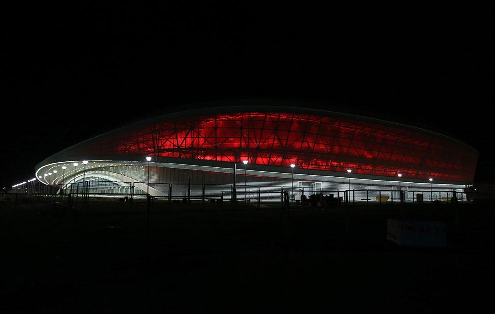 Конькобежный центр «Адлер-Арена»