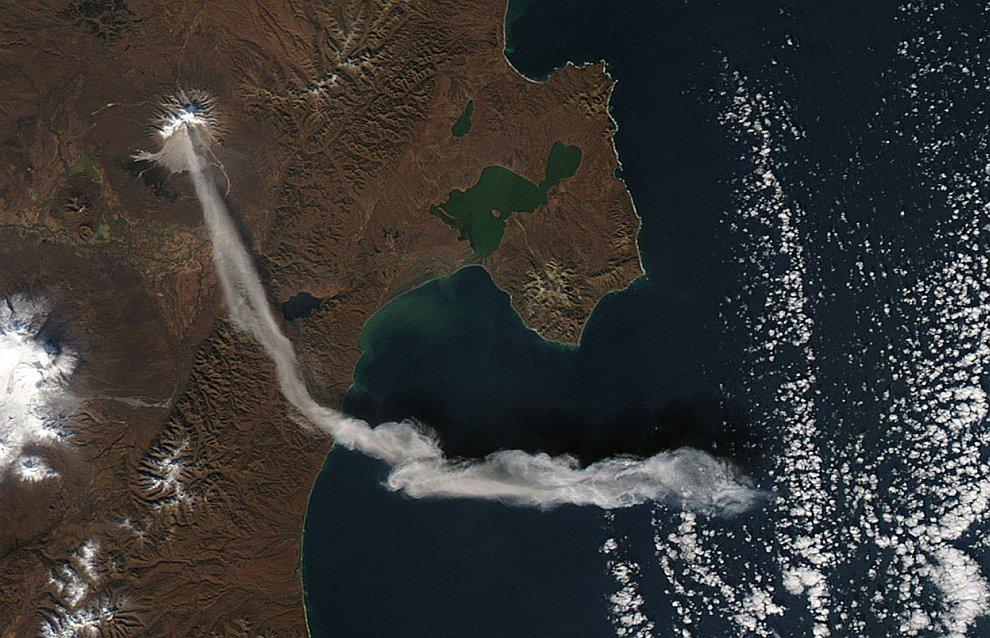 Шивелуч — действующий вулкан