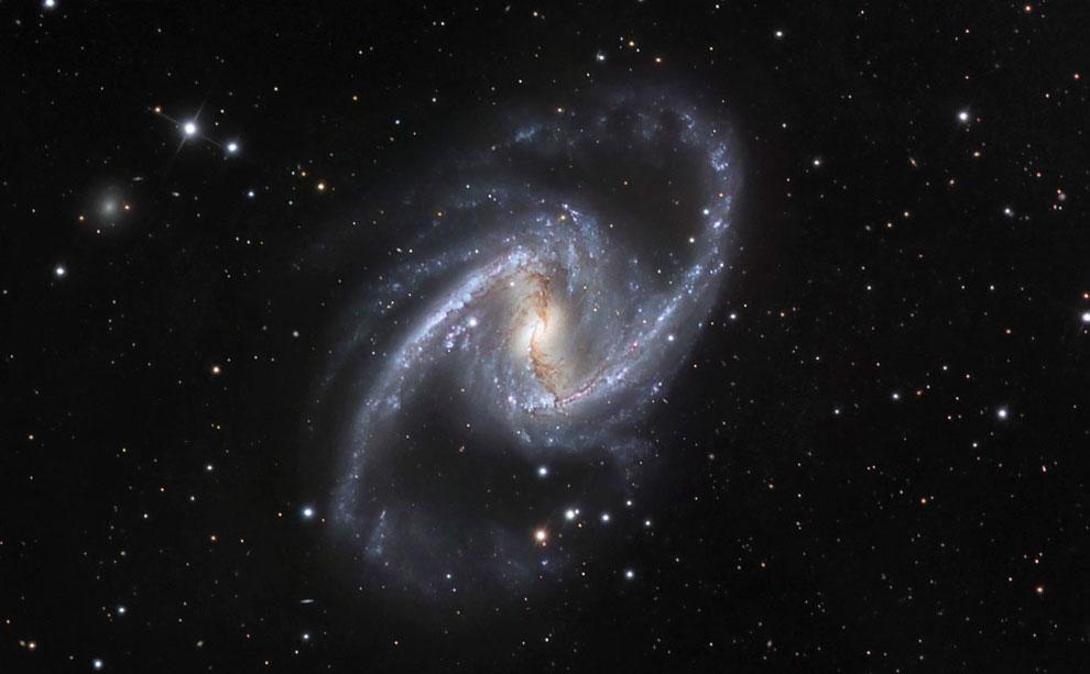 Спиральная галактика с перемычкой NGC 1365