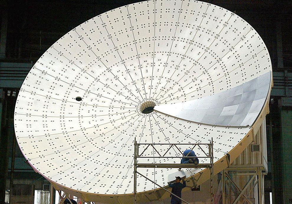 Технические работы на 12-метровом радио-телескопе