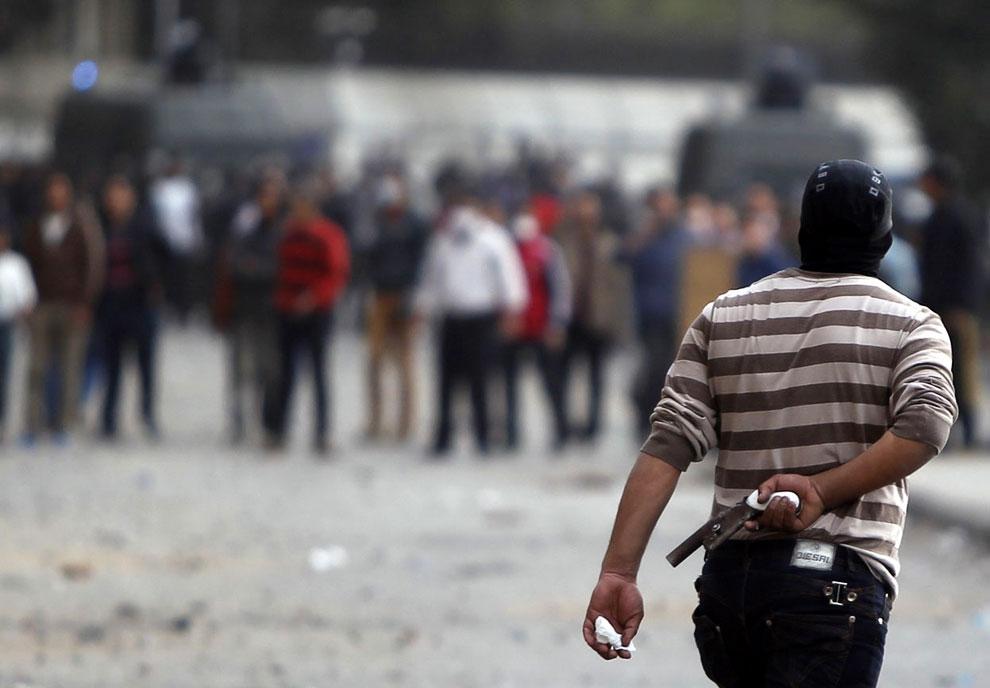 Часть протестующих в Египте ходят с самодельными пистолетами
