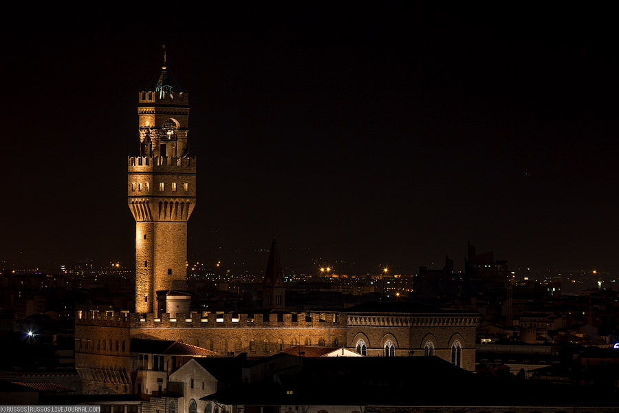 Снова ратуша Палаццо Веккьо с башней Арнольфо